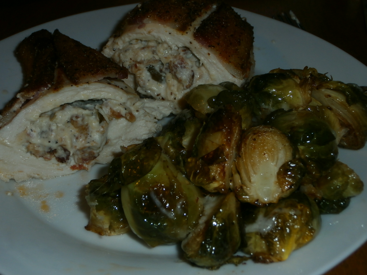 Spicy Cheese & Bacon Stuffed Chicken! #LCHF #YUM